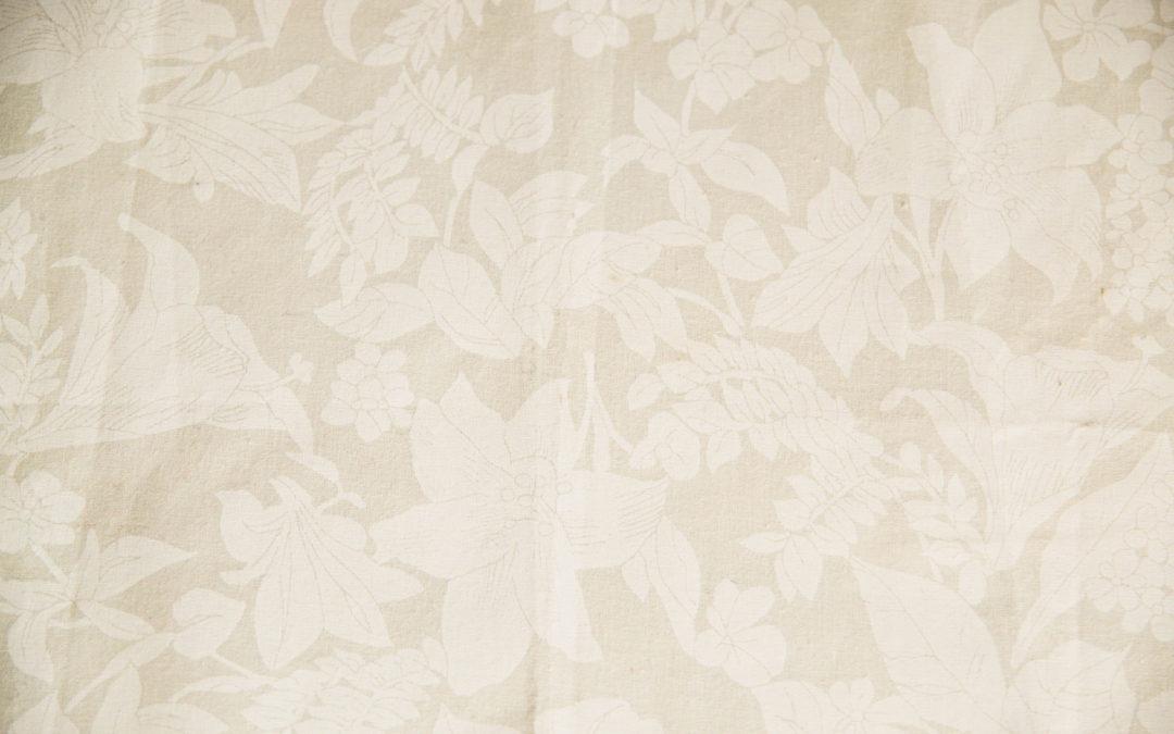 Romantic Line – lůžkoviny v sypkovině s reliéfem květin